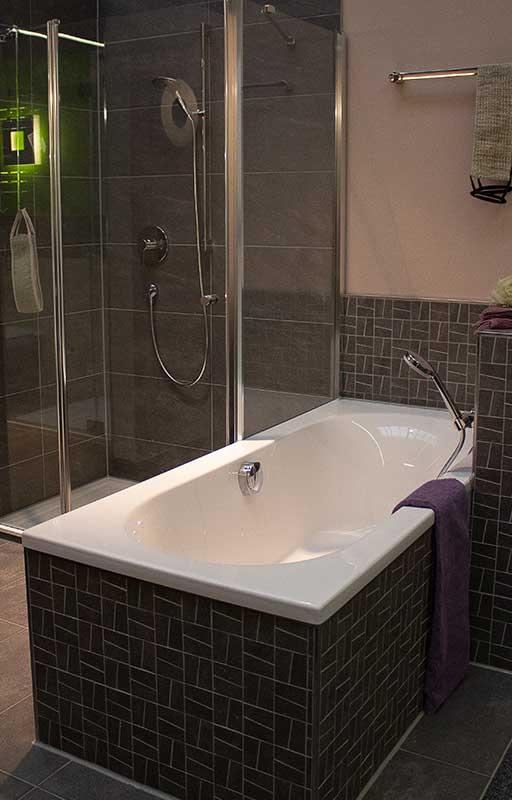 Moderne Badewannen Sanitär Einrichtung und Gestaltung von Badezimmer in Bruchsal